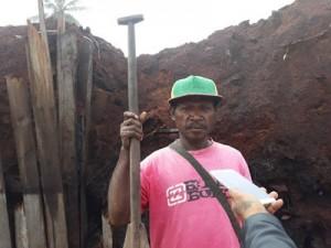 Warga pelaut kampung Wadio, Frans Kapisa